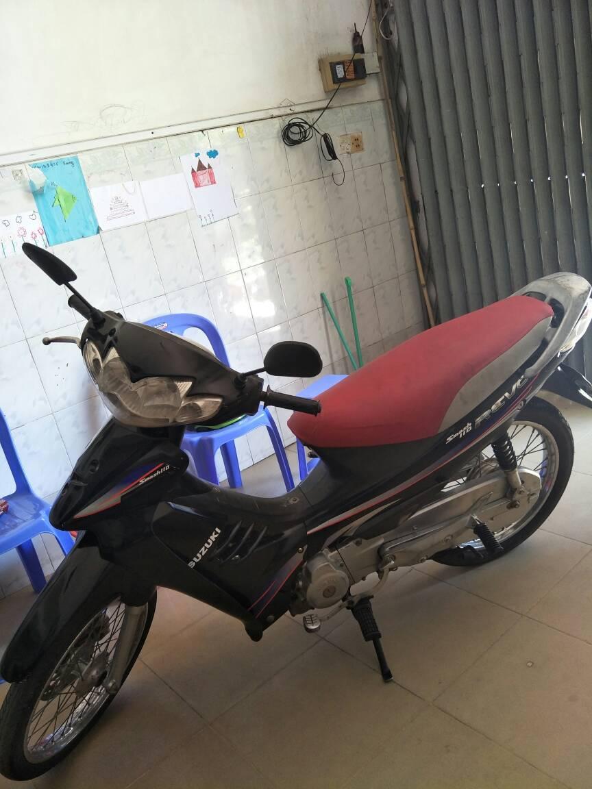 出售多台摩托车有踏板和挂挡在金边