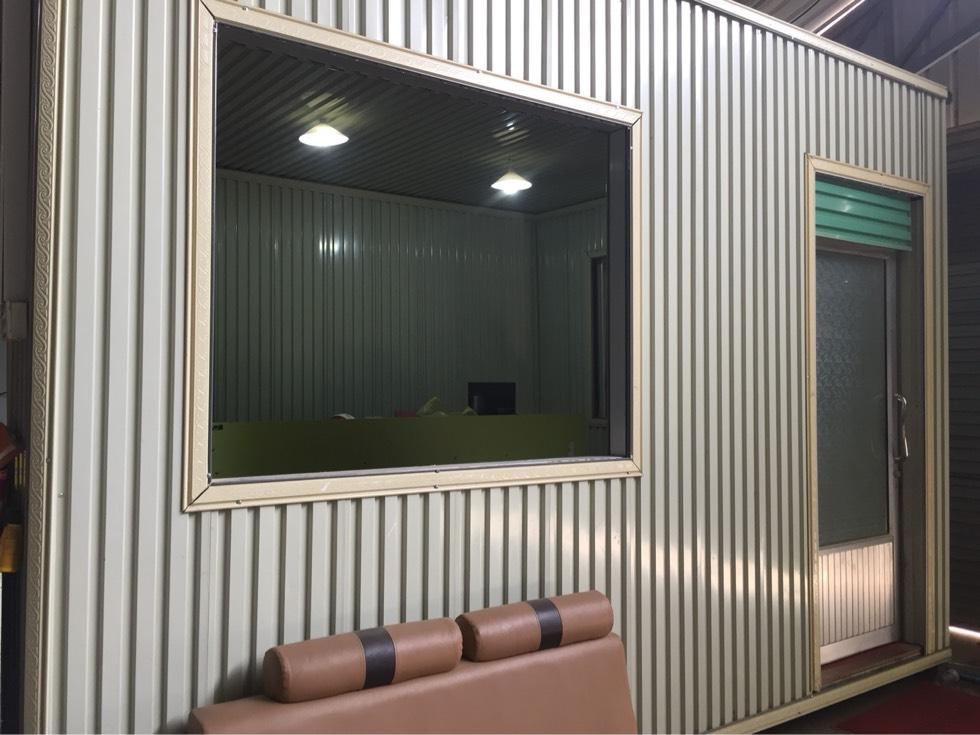 要搬到新仓库 需要卖可移动的办公室/房间 尺寸大概12平方米 1500$ 免费搬送