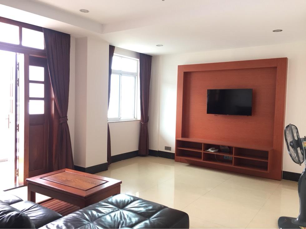 公寓出租 两个房间