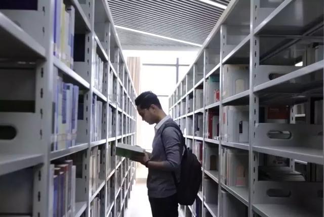 这是一本出自柬埔寨有志青年的云南留学攻略,请查收!