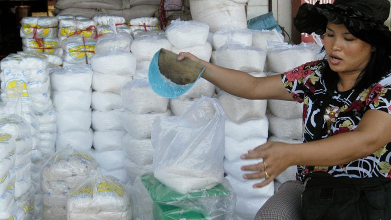缺盐!柬从中国、泰国进口3万吨食盐