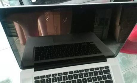 出售苹果笔记本电脑