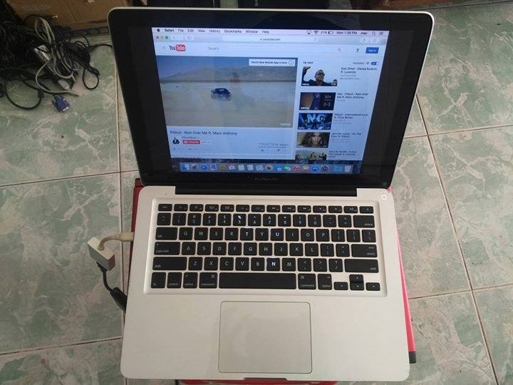 macbook 2011.jpg