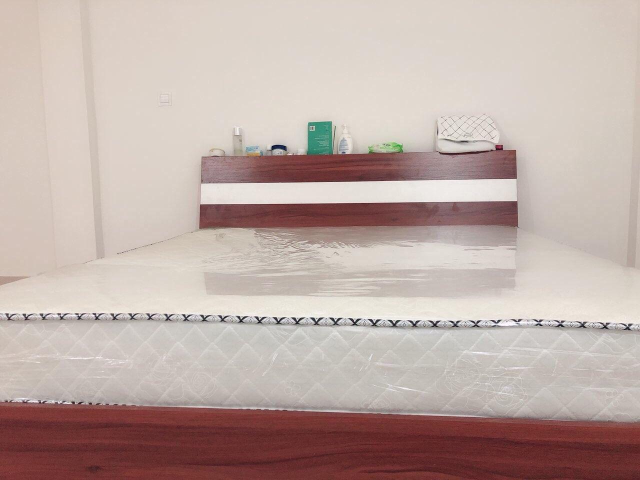 98成新床低价出售