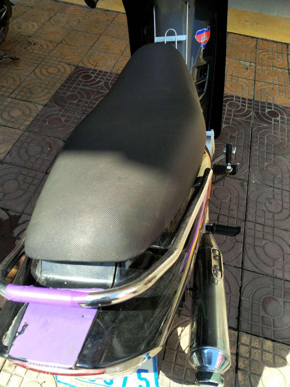 转让SUZUKI 110cc摩托车