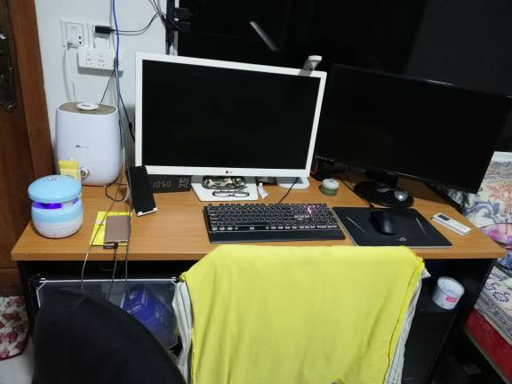 出售电脑桌子 在西港区
