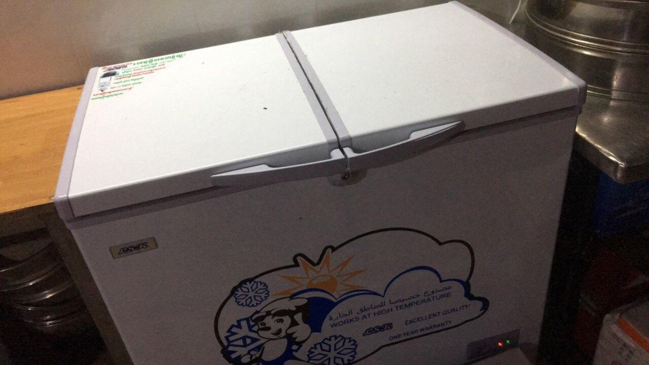 回国出售桌子冰柜风扇九成新