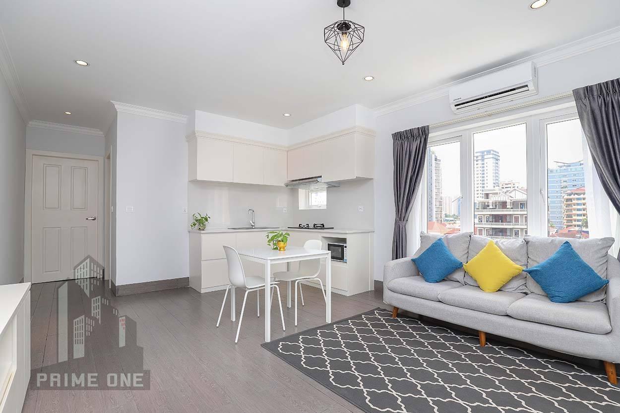 金边市中心超稀有一室一卫公寓!65平米!超值!!