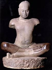这是一块历经576小时打磨的石头,变成了吴哥窟里的雕像